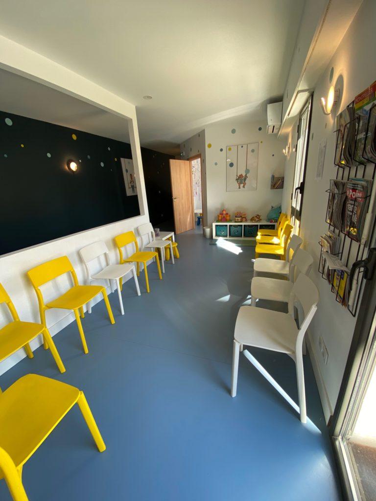 Salle d'attente cabinet pédiatrie Montpellier